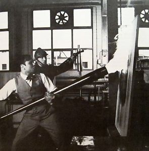"Bild:  Yves Klein, Making ""Fire Paintings"" at the Centre d'Essais du Gaz de France, Paris"