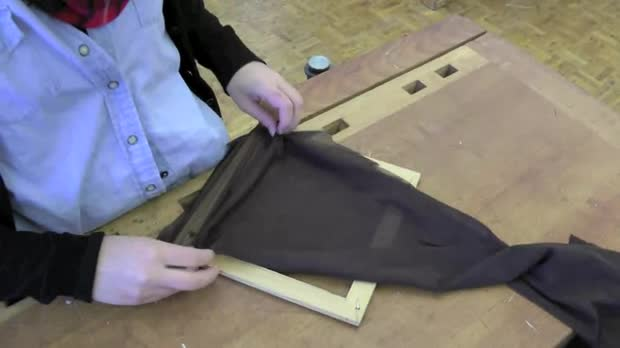 "Bild:  Video ""Transformation Textil Aufziehen"""