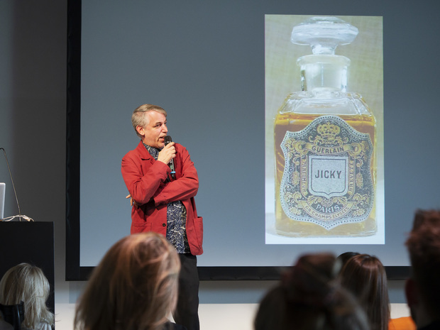"Bild:  The Perfumative | Martin Jaeggi: ""That Lilac Odour Wounds Me"" Perfume and Literature in fin-de siècle Culture"